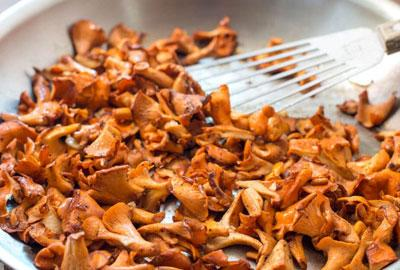 How to Cook Chanterelle Mushrooms